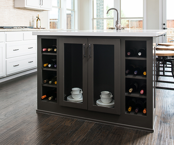 two toned cabinet trend in dallas
