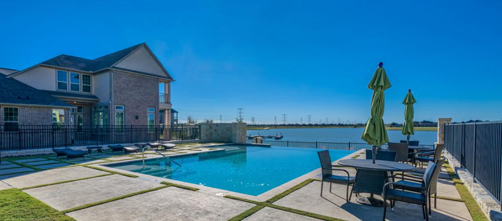 Lakeshore at Towne Lake Townhomes, Houston - Private Infinity Pool