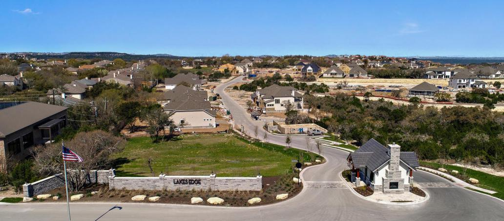 Lakes Edge, Austin - Community Entrance
