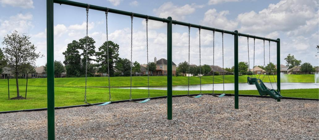 Lakes at NorthPointe 65ft, Houston - Swings