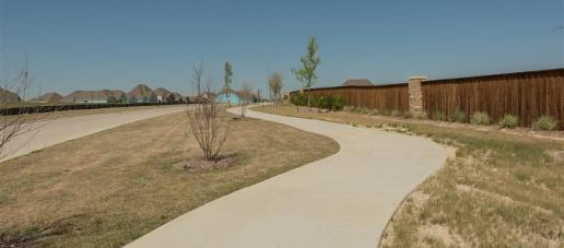 Southern Hills 50' Parkside Series, Dallas - Walking Trails
