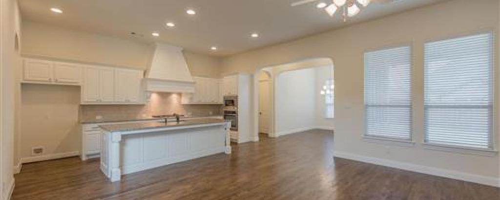 Augusta, McKinney - kitchen