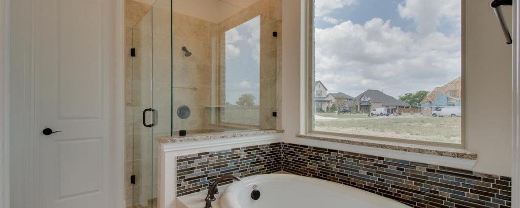 Salado, Fort Worth - bathroom