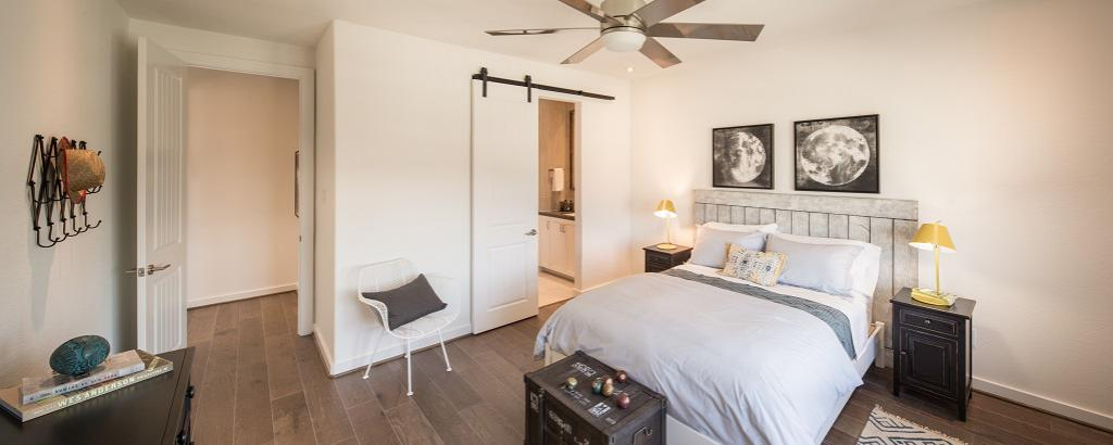 Montesa, Tomball - bedroom