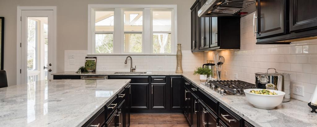 The Wentworth at Amberly, Cary - kitchen
